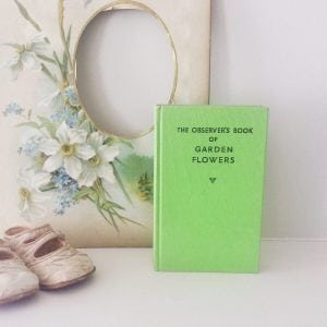 Beautiful little 'Garden Flowers' observer book